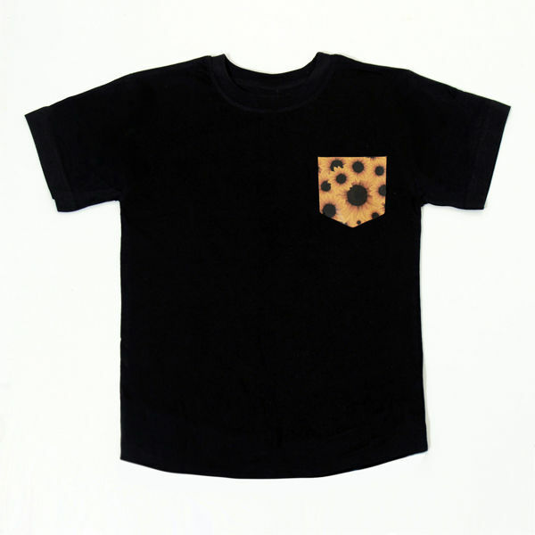 Picture of Trendy T-Shirt with Sunflower Pocket in Black